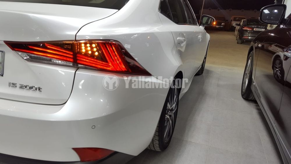 Used Lexus IS 20t Exclusive 2017