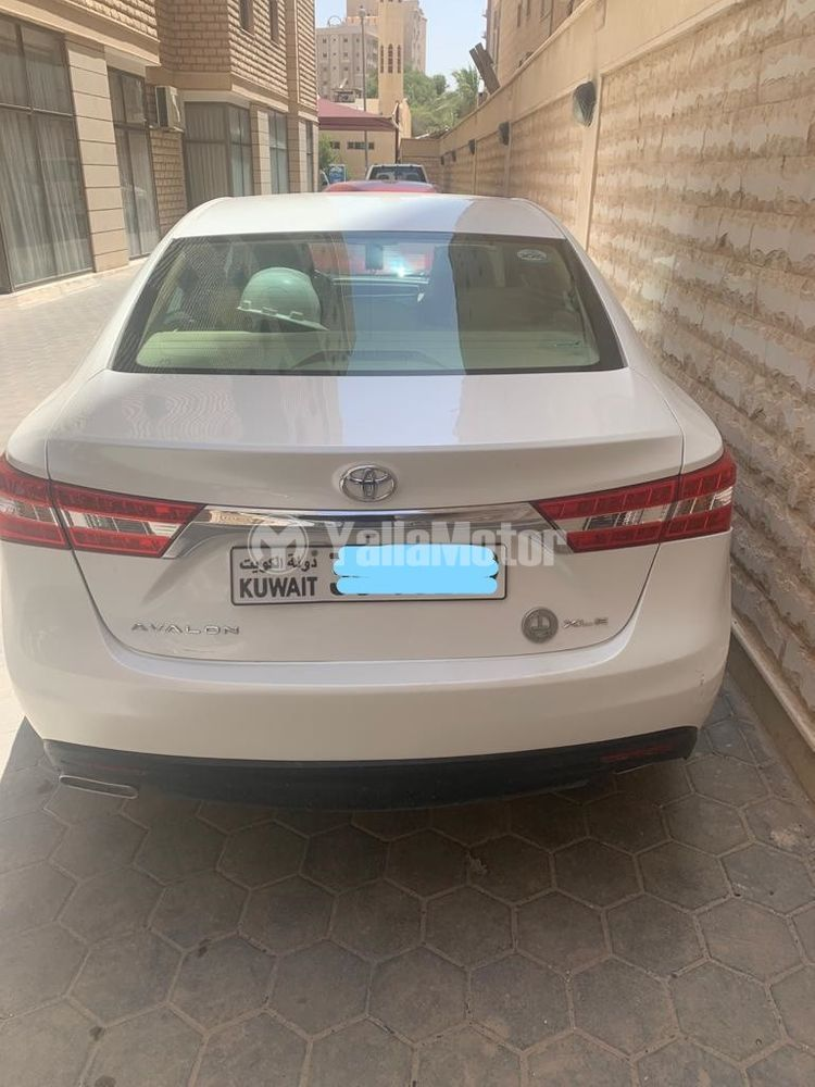 Used Toyota Avalon 2015
