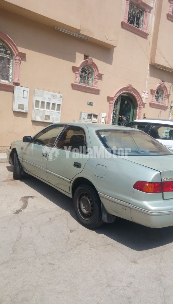 Used Toyota Camry 2.5L GLE (178 HP) 2002