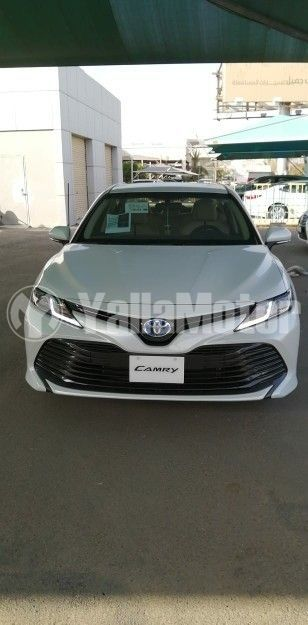 New Toyota Camry 2.5L LE Hybrid (212 HP) 2020