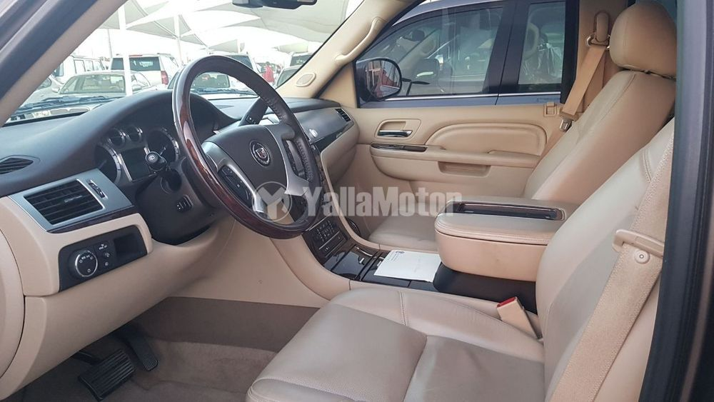 Used Cadillac ESCALADE 2012