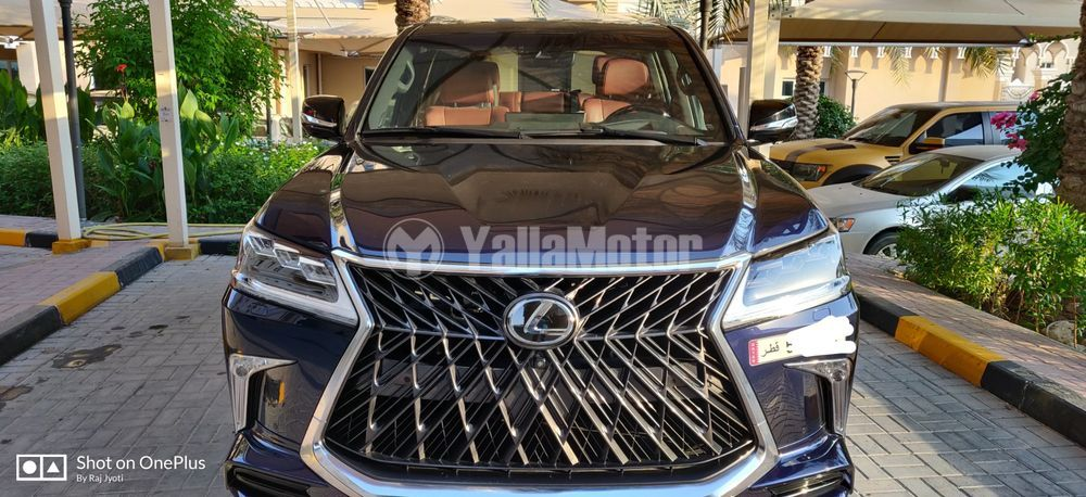 Used Lexus LX 570  5 door 5.7L 2018