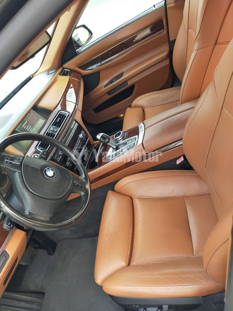 مستعملة بي إم دبليو 7 سيريز  750Li xDrive 2011