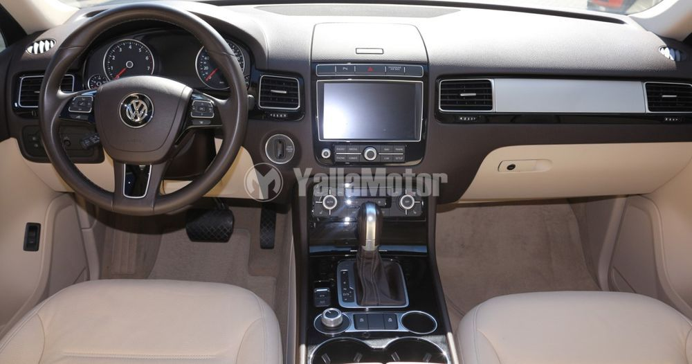 Used Volkswagen Touareg  3.6L SE 2017
