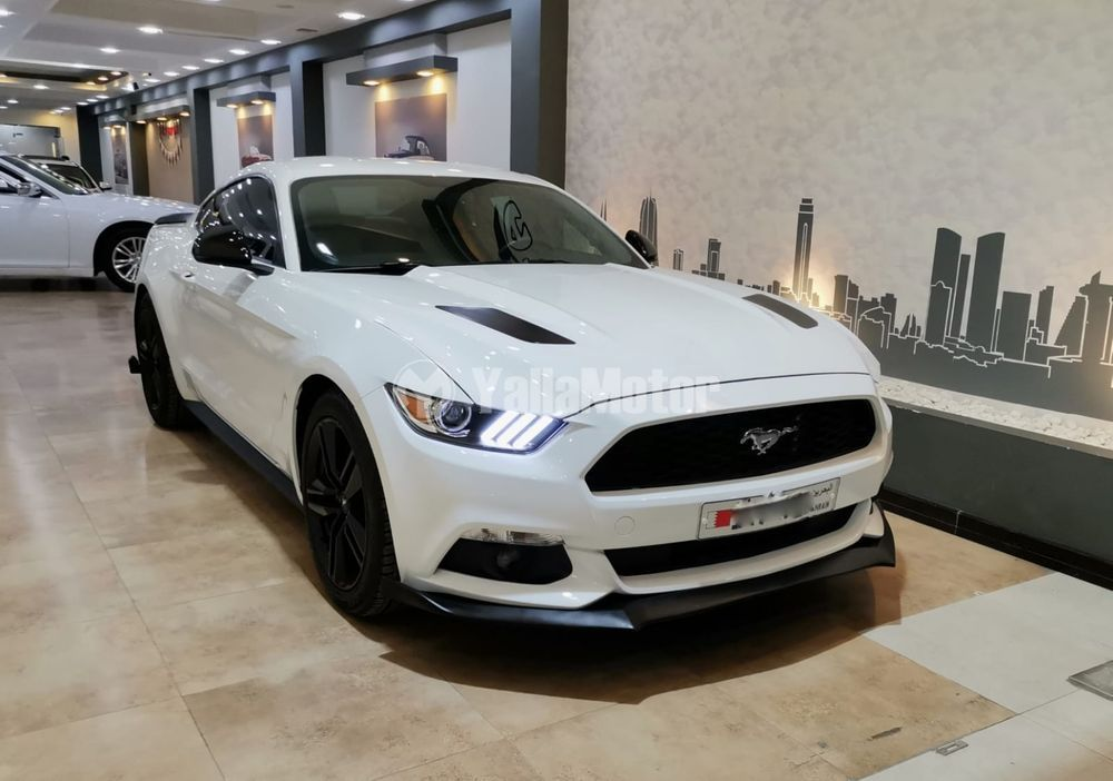 Used Ford Mustang  2.3L EcoBoost Coupe 2016