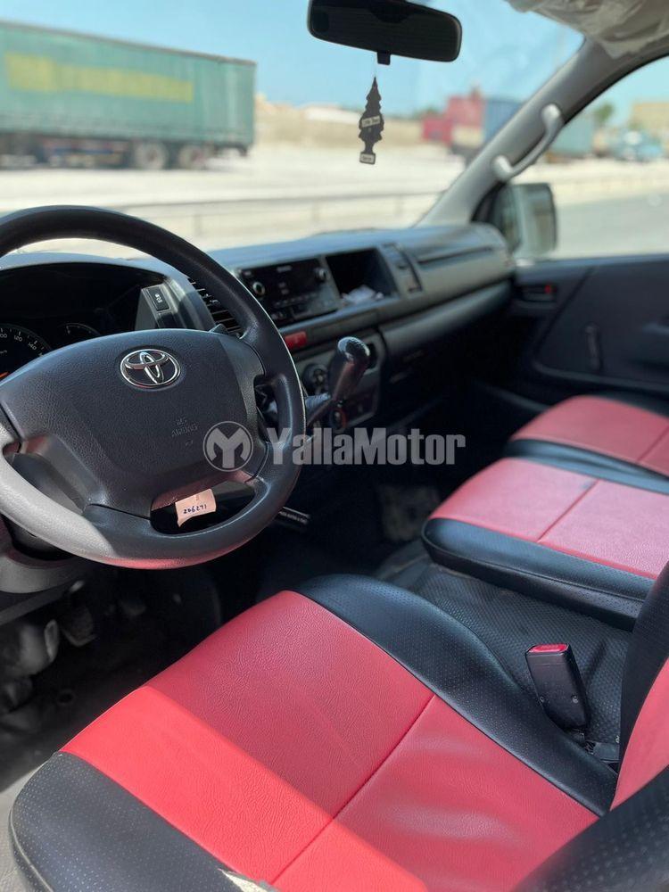 Used Toyota Hiace 2017