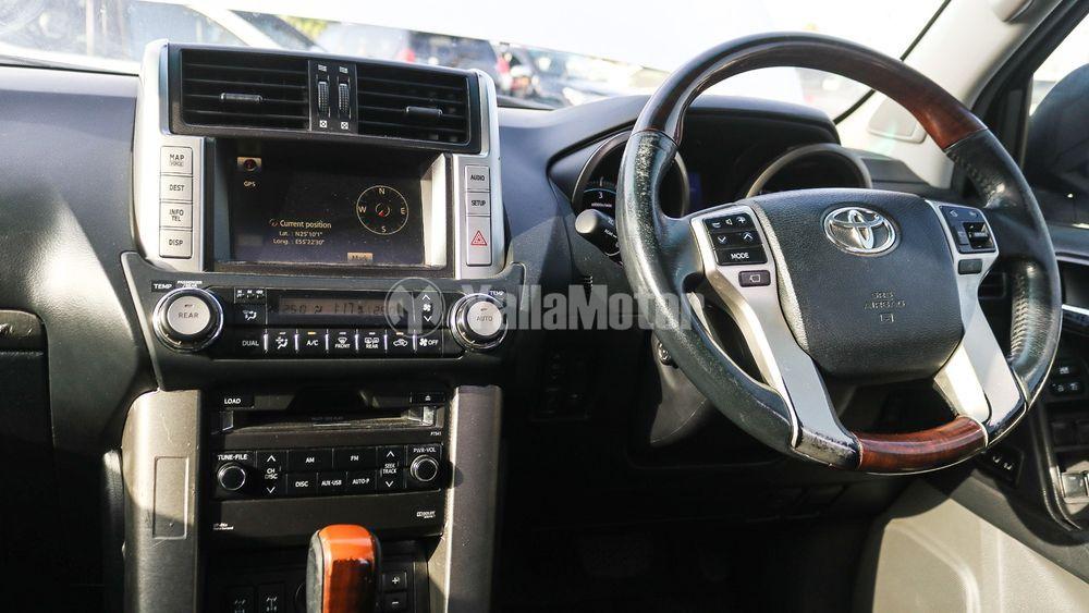 Used Toyota Land Cruiser Prado 2010