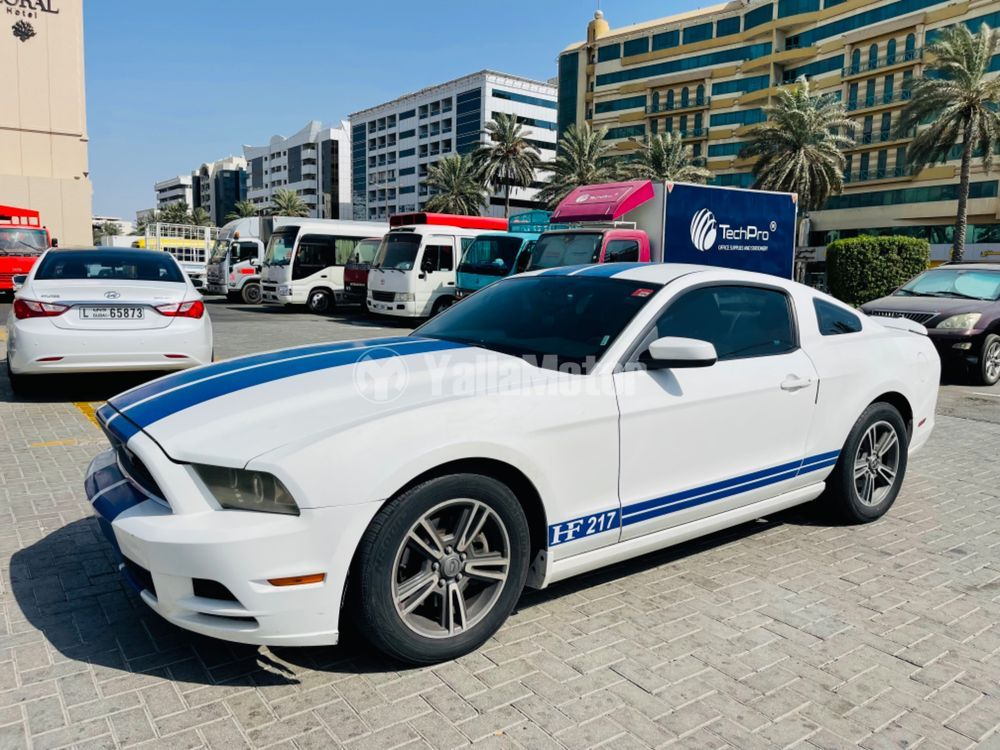 Used Ford Mustang  V6 2013