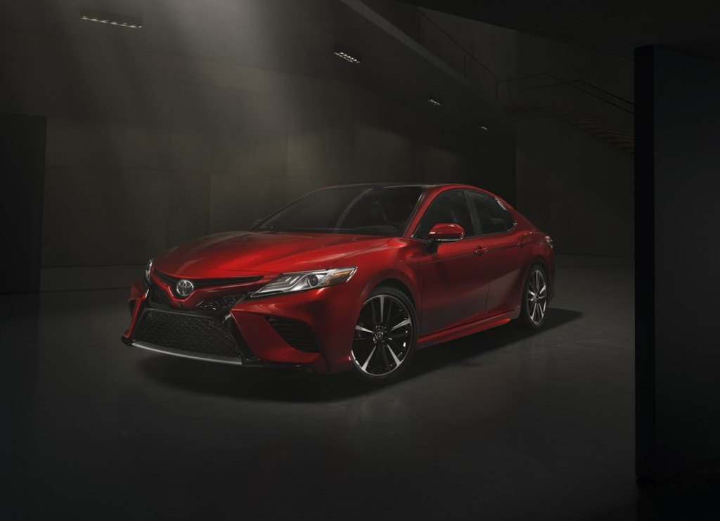 2018 toyota camry revealed at detroit auto show uae. Black Bedroom Furniture Sets. Home Design Ideas