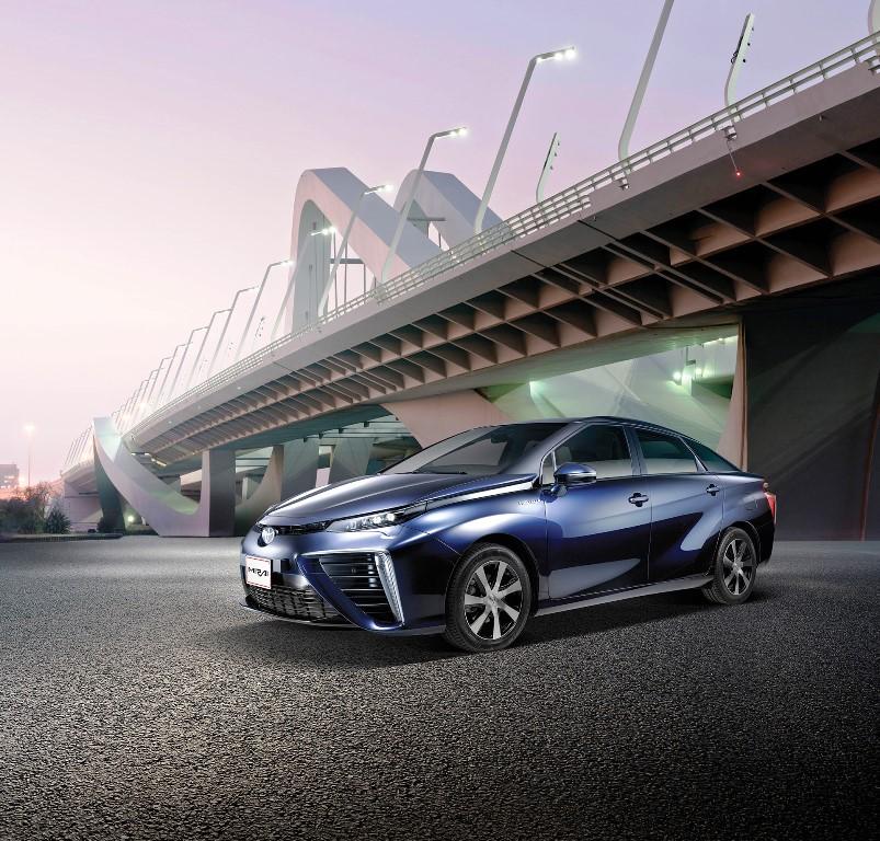 Toyota Mirai Front 2017