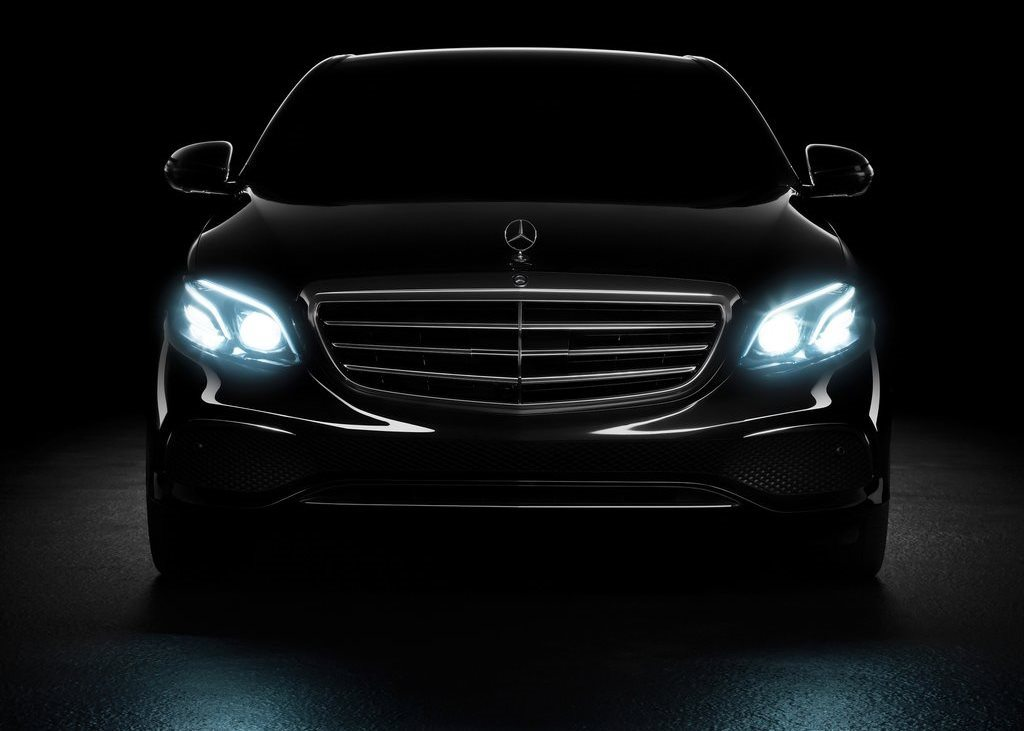 the ins and outs of mercedes benz s pre safe system uae yallamotor. Black Bedroom Furniture Sets. Home Design Ideas