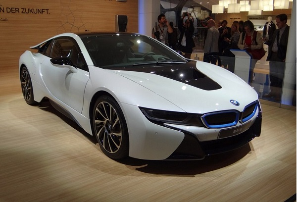 Bmw I8 Spy Video Qatar Yallamotor