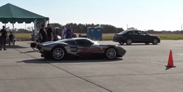 We All Love Speed But Some Power Hungry Enthusiasts In Texas Have Gone To Another Level Of Being Power Crazy Beevile A Place In Texas Holds An Event