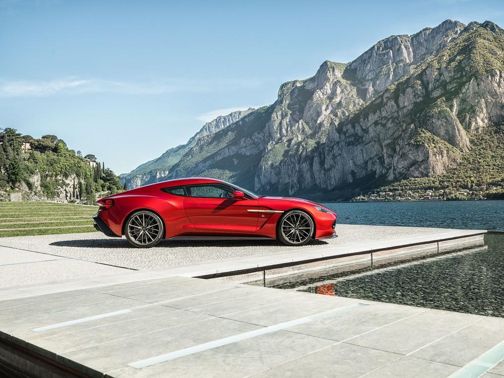 Aston martin Vanquish Zagato Side