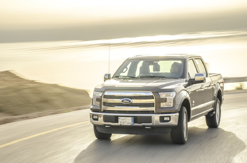 2017 Ford F-150 front - 2