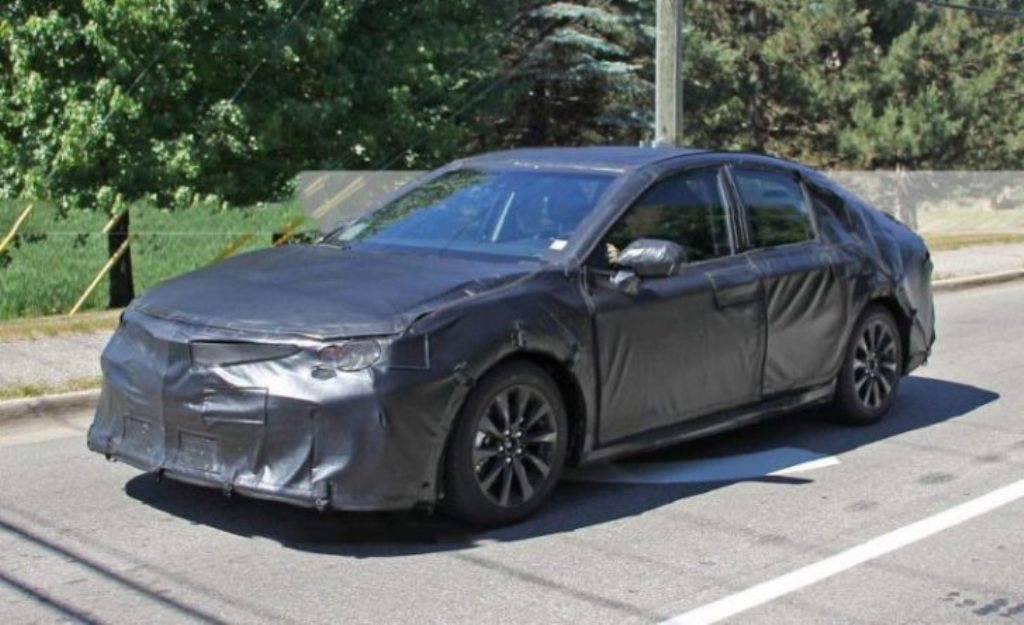 2018 Toyota Camry Spied - Front