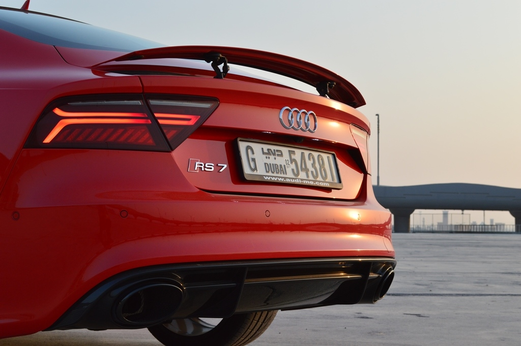 שונות Audi RS7 2017 Review | Egypt - YallaMotor RD-27