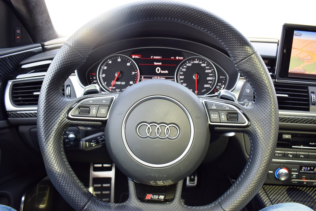 audi rs6 2017 review bahrain yallamotor. Black Bedroom Furniture Sets. Home Design Ideas