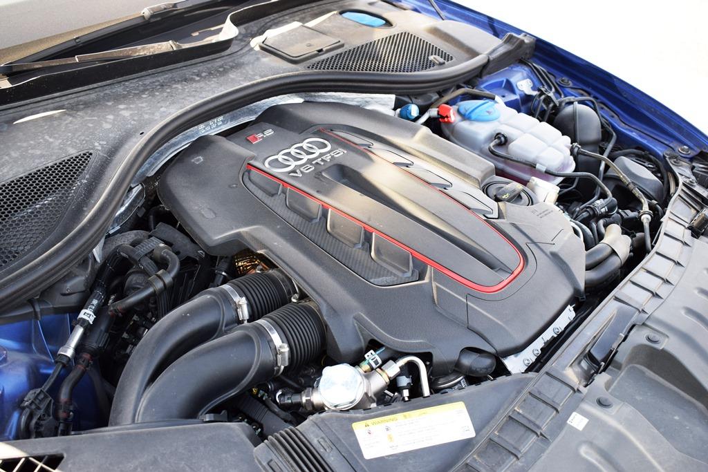 Audi RS6 2017 Engine