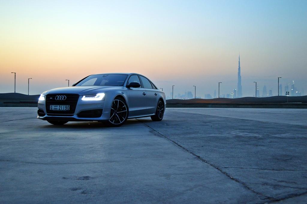 2016 Audi S8 Front