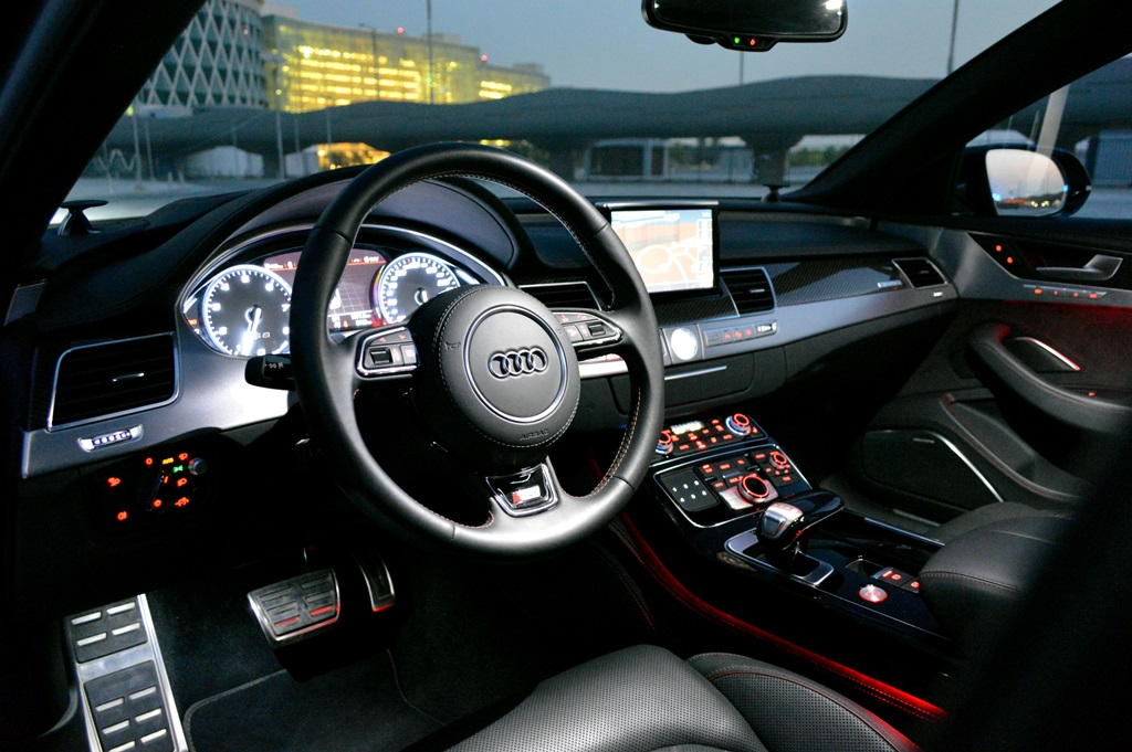 2016 Audi S8 Interior