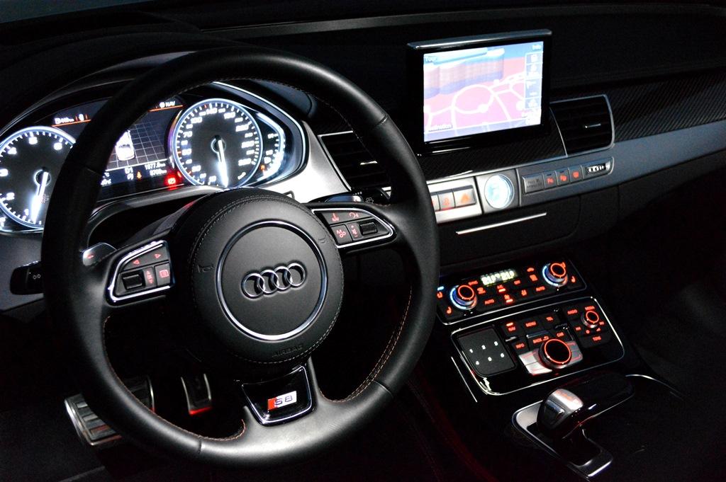 2016 Audi S8 Interior - 2