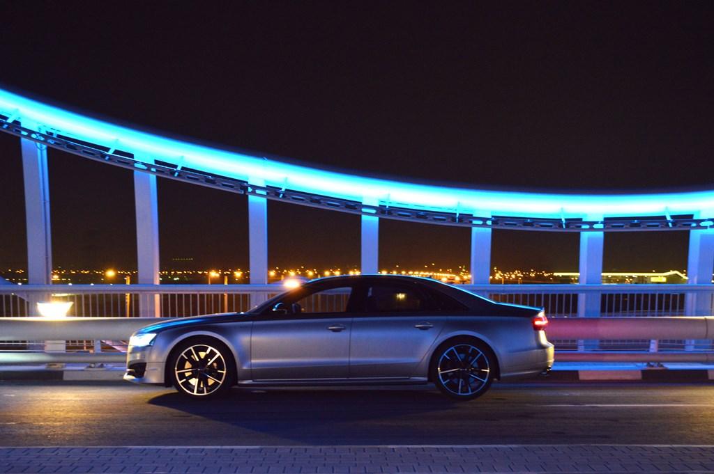 2016 Audi S8 Side