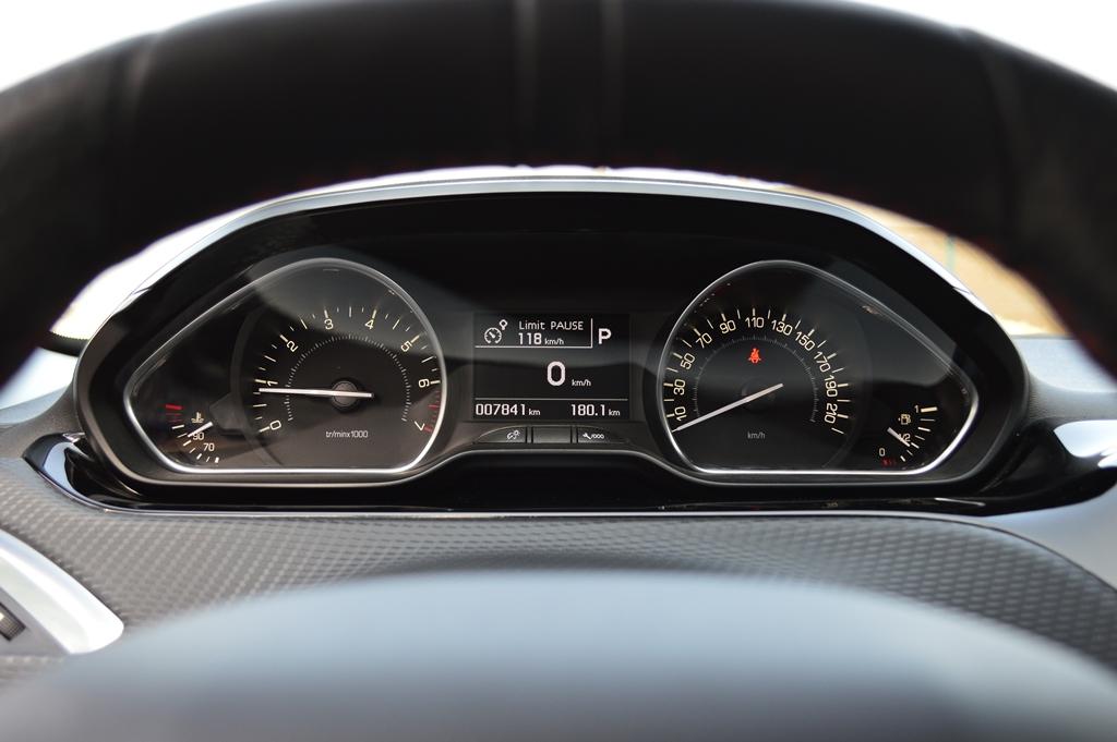2016 Peugeot 208 Interior - 3