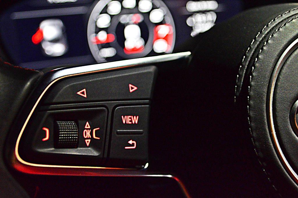 2016 Audi TTS Interior - 4