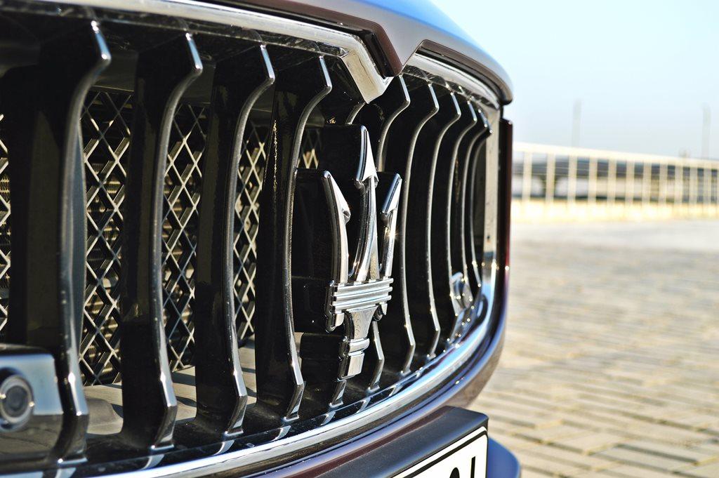 2016 Maserati Ghibli Front - 2