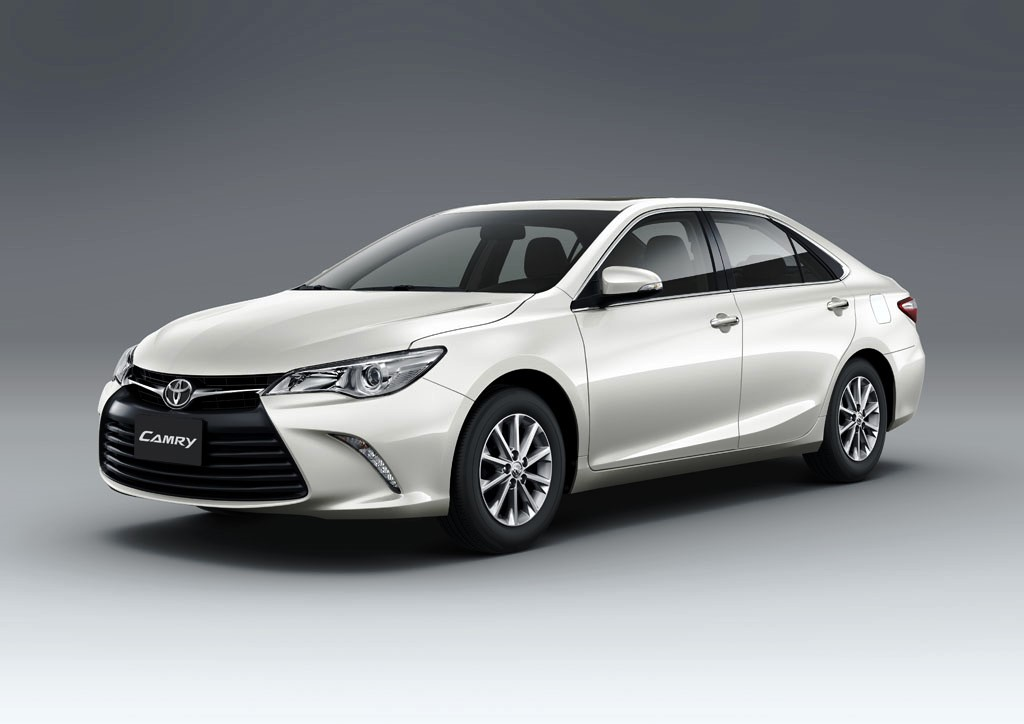 2017 Toyota Camry Front