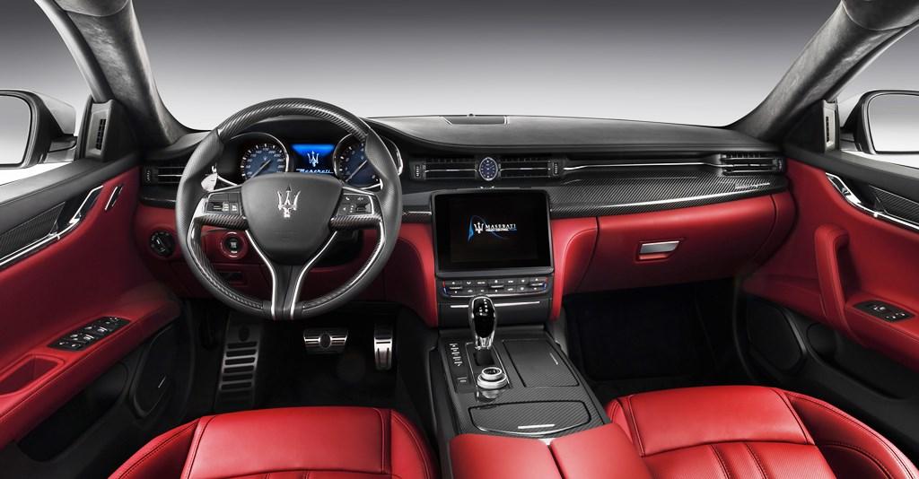 2017 Maserati Quattroporte Interior