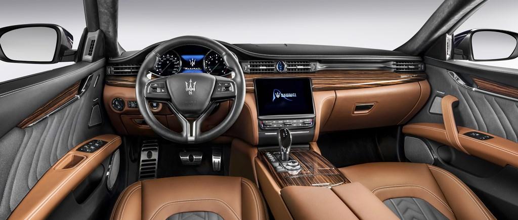 2017 Maserati Quattroporte Interior - 2
