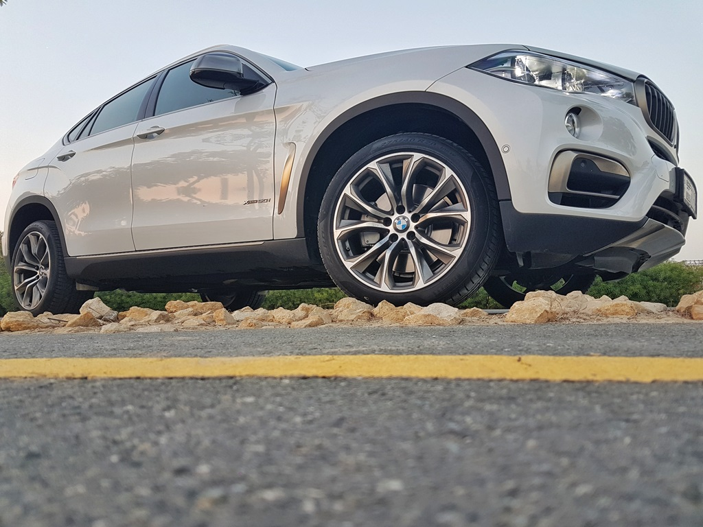 2016 BMW X6 Side - 2