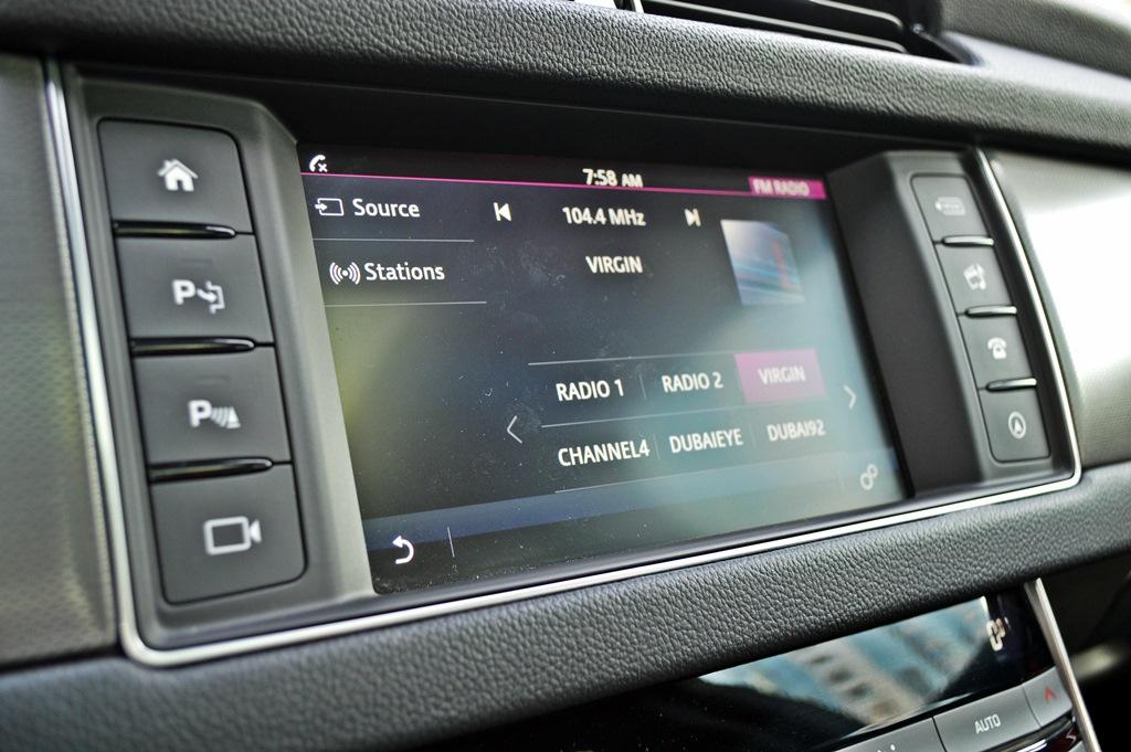 Jaguar XF S 2016 Interior - 2
