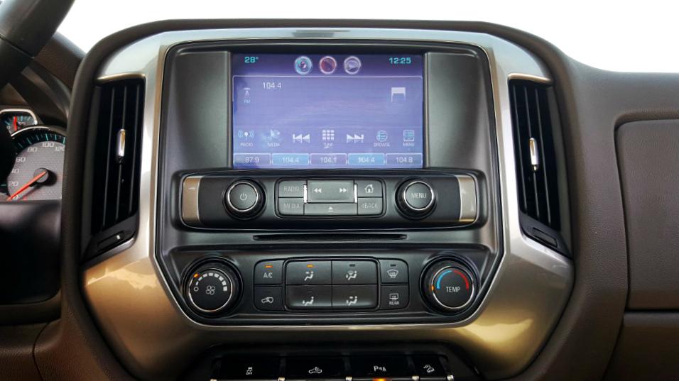 Chevrolet Silverado 2016 Interior - 2