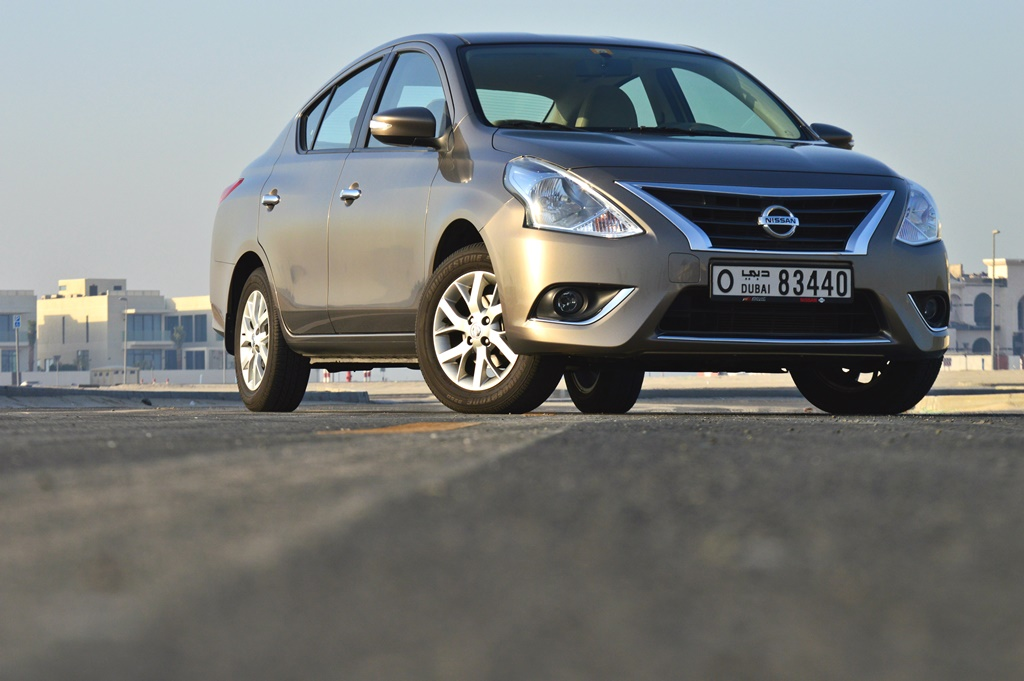 Nissan Sunny 2017 Front - 2