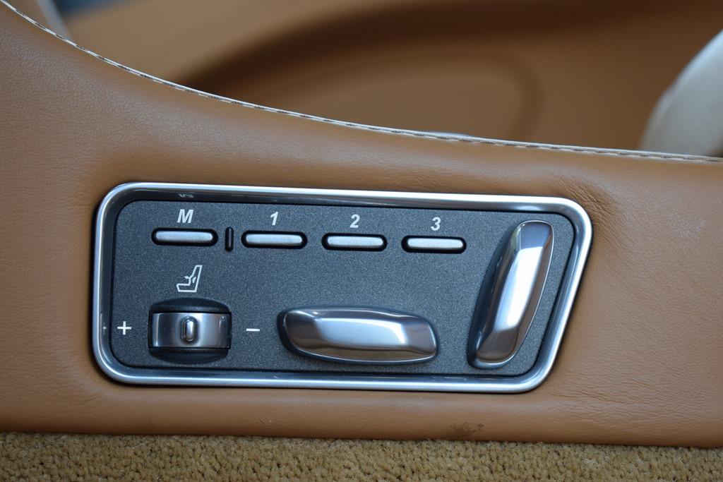 Aston Martin Rapide S 2017 Interior - 3
