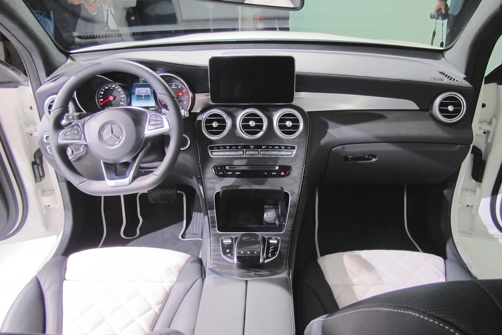 mercedes benz glc coupe launched uae yallamotor. Black Bedroom Furniture Sets. Home Design Ideas