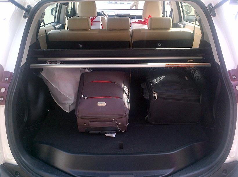First Drive Review 2013 2015 Toyota Rav4 In Uae Saudi