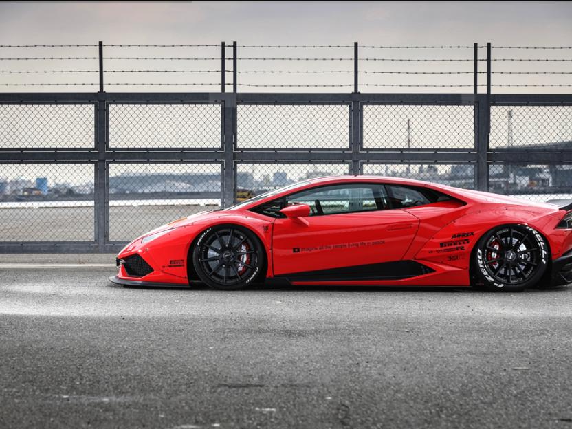 Perfect Lamborghini Huracan Liberty Walk Kit   Side
