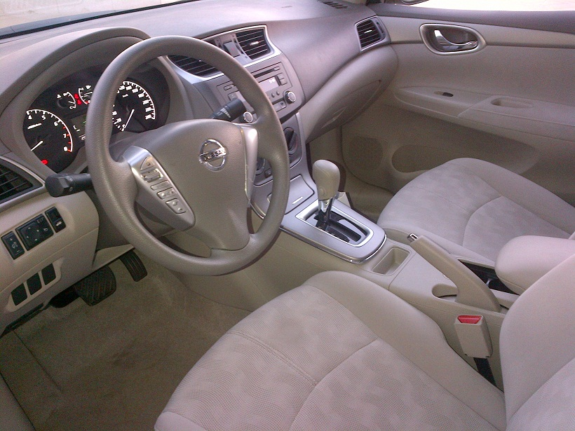 2013 nissan sentra review bahrain yallamotor. Black Bedroom Furniture Sets. Home Design Ideas
