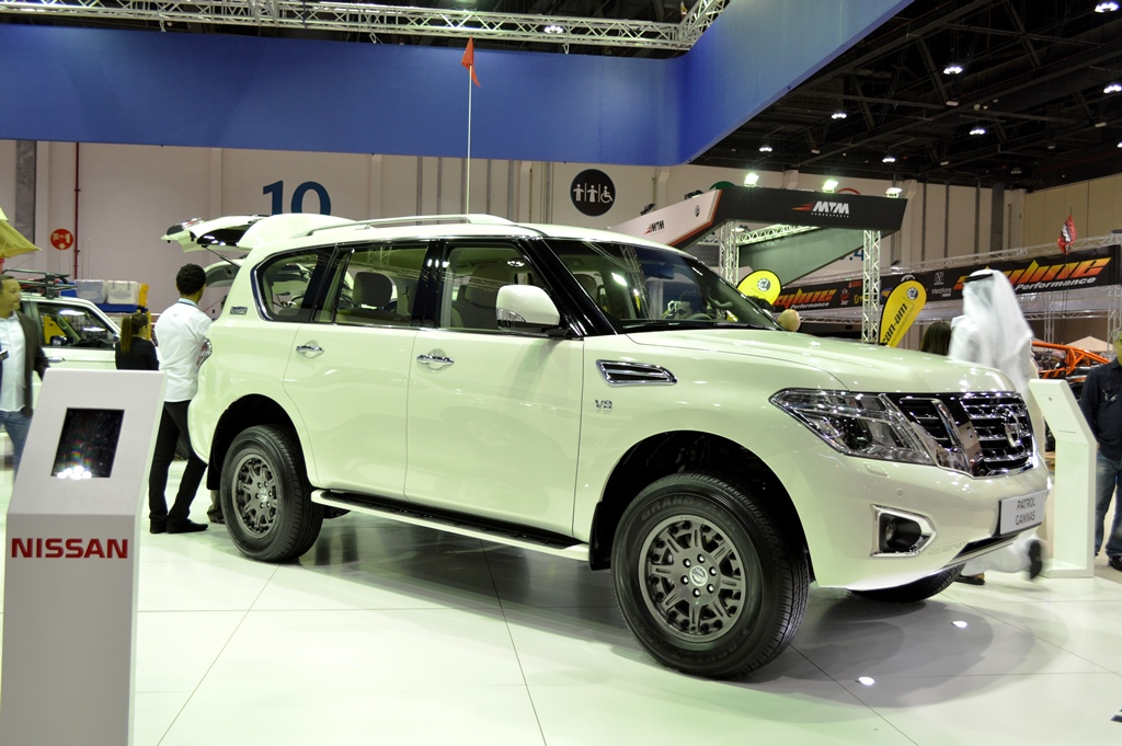 2017 nissan patrol gannas launched in abu dhabi uae yallamotor. Black Bedroom Furniture Sets. Home Design Ideas