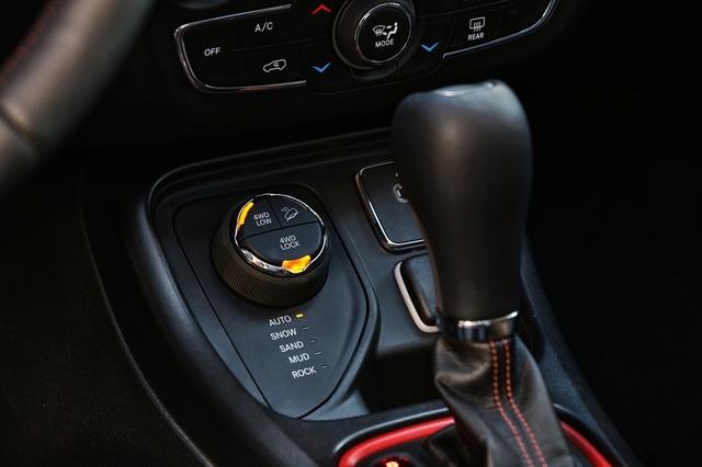 Jeep Compass 2018 Interior - 2