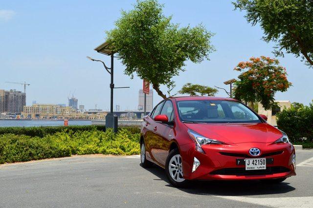 Toyota Prius 2017 Review