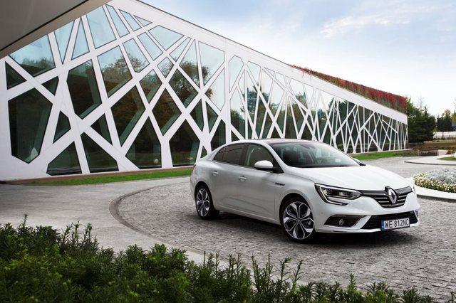Renault Megane 2018 Front - 2