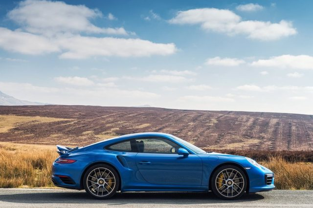 Porsche Dashboard Glare Lawsuit