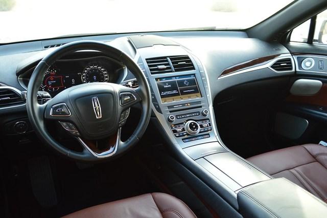 Lincoln MKZ 2017 Interior