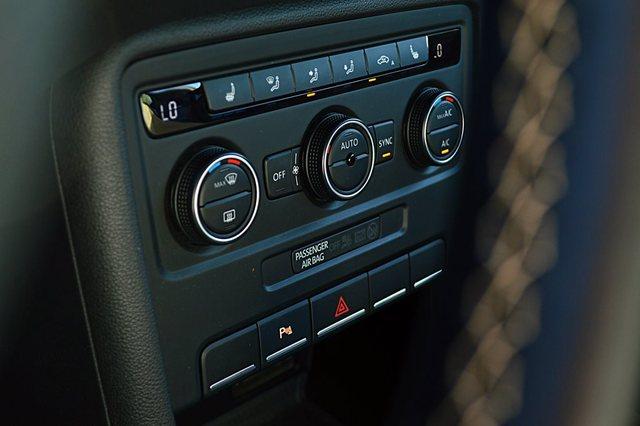 Volkswagen Beetle 2017 Interior Features