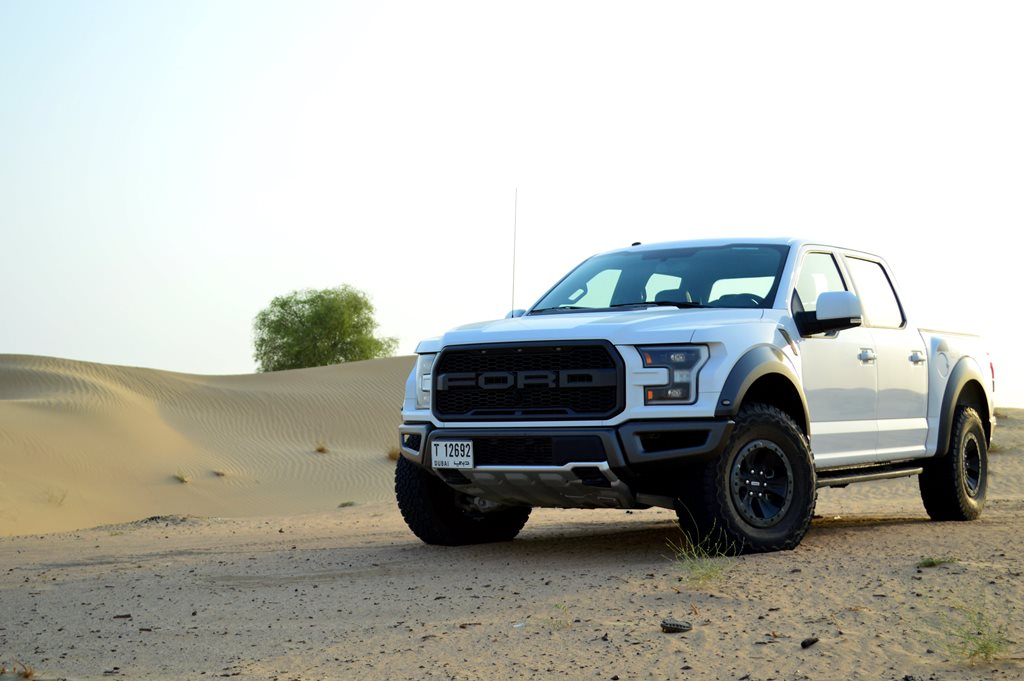 2017 ford f 150 raptor review uae yallamotor. Black Bedroom Furniture Sets. Home Design Ideas